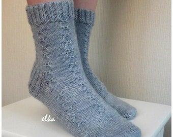Socks knitted with pattern / Носки вязаные с узором