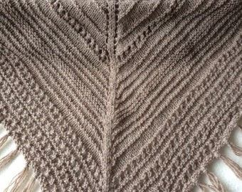 Triangular shawl scarf