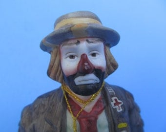 Emmet Kelly  - Kelly Clown - Bowling - Flambro - Hobo - Ceramic Figurine