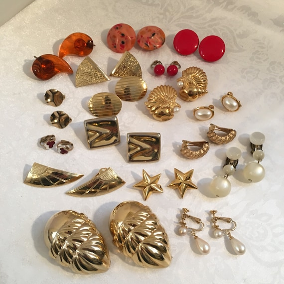 costume jewelry clip on earrings lot lucite acrylic f pearl