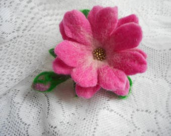 Felted brooch, Felt brooch flower,Green,pink Felt flower brooch,pins wool,handmade brooch,wool accessories,green jewelry, green felt flowers