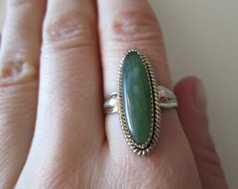 Jade Gemstone Sterling Silver Vintage Gold tone Ring, size 7