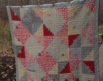 Vintage handmade quilt  /  log cabin