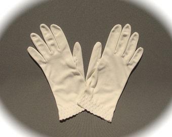 Women's Off-White Gloves Embroidered Teardrop Design, Mid Century Modern Wedding Bridal Summer Accent, Victorian Edwardian Fashion Accessory