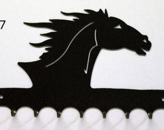 Hangs key pattern metal: horse head