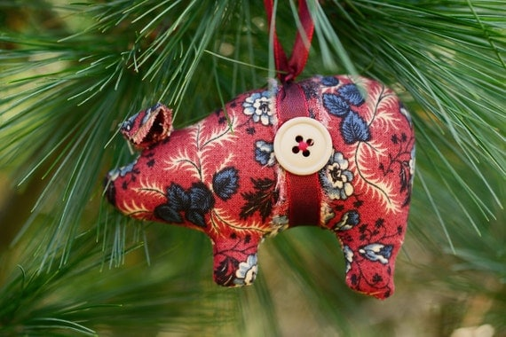 Animal ornaments, pig decor, farm decor, primitive pig ornaments, whimsical, collectible, novelty, Christmas, ornaments, handmade ornaments