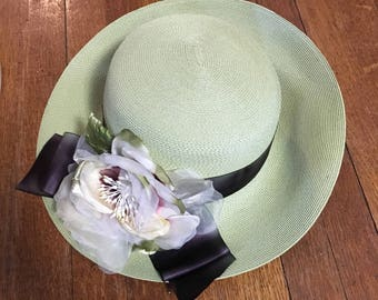 Natural Fiber Straw Hat. Green with Silk Flowers