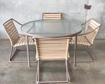 Brown Jordan Patio Set (FVTXU8)
