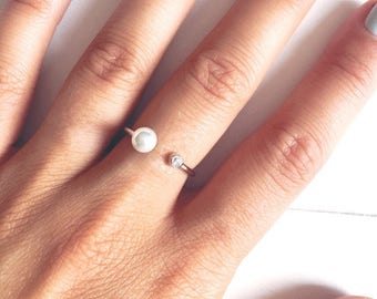Silver Pearl ring Sterling and CZ / silver sterling ring