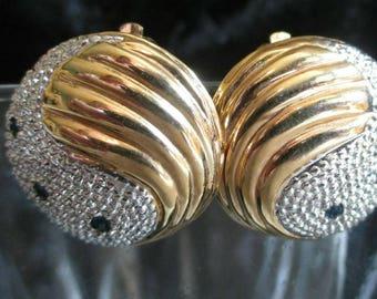 Chinese Yin Yang Earrings blue stone Gold Tone small Clip On button earrings Paisley earrings earrings silvertone vintage retro mod boho