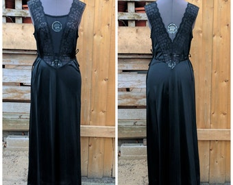 Vintage 1980's Full Length PATRICIA Lace Top 100% Nylon Satin Negligee Size Medium Dead Stock / New Used Night Gown