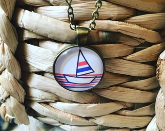 Boat pendant necklace