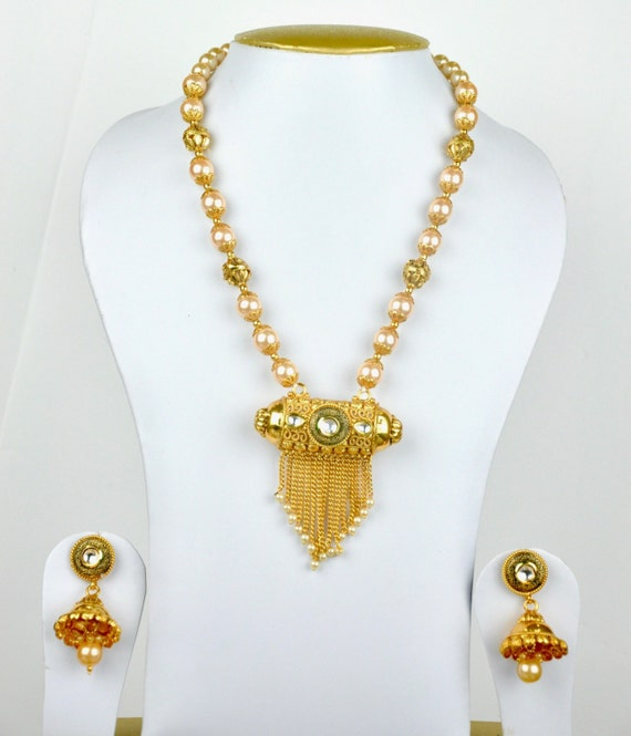 Antique faux pearl necklace woth tribal style pendant | Indian Jewellery | Indian Necklace | Temple Jewelry