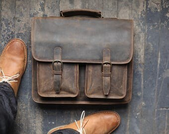 Custom Danbury Men's Leather Messenger Bag