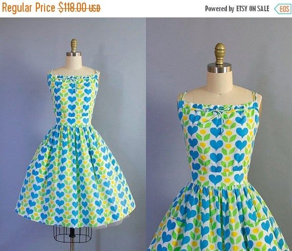 1950s Hearts and Flowers Novelty Print Sundress/ Medium (36b/27w)