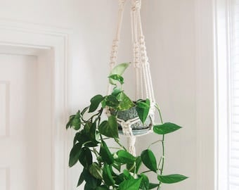Modern Macramé Plant Hanger // medium // the classic
