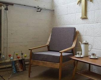 SOLD  SOLD  SOLD  Beautifully restored rare 1960s Scandart chair