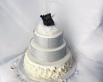 Animal Wedding Cake Topper- Kissing Black Bear Wedding Couple- Bride and Groom- Mr and Mrs wedding- Wedding Gift- Cute Wedding Cake Topper
