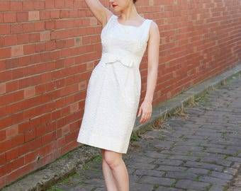 Vintage 1960s White Brocade Party Dress / Bow / Dipped back / 1960s Dress /  S/M
