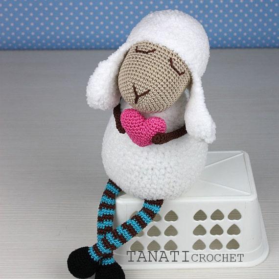 Crochet Pattern of Lamb Heart Amigurumi tutorial