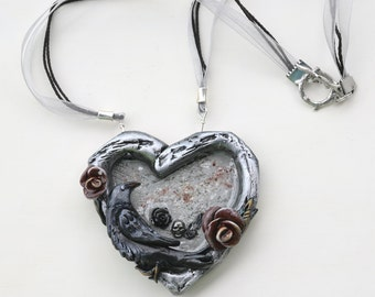 Big Gothic Heart and Raven Necklace, Roses and Skull Chunky Silver Color Heart Necklace, Raven Jewelry, Weird Goth Necklace