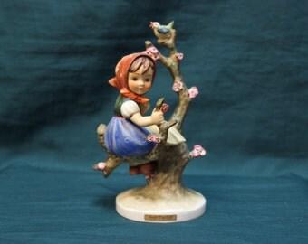 Apple Tree Girl Hummel TMK-3 1960-72