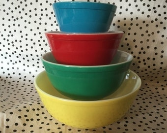 Pyrex Set of 4 Primary Colours Mixing bowls USA Pyrex Quintessential Vintage Pyrex