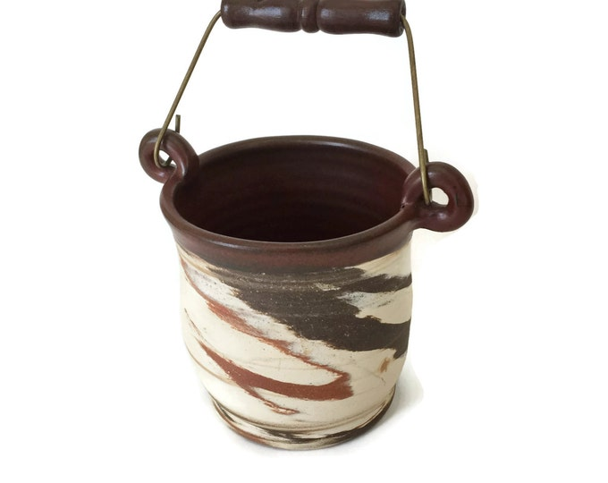 Stoneware Crock with Bail Handle