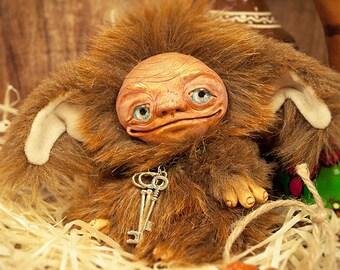Artist brownie, teddy fairy, ooak fairy, brounie, teddy doll, 5in, cinnamon, brown, hazel, brunaidh, uruisg, heinzelmännchen, teddy keeper