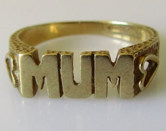 9ct Gold MUM Heart Ring Size M or 6