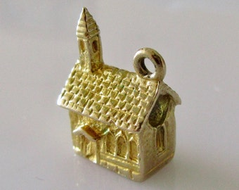 9ct Gold Church and Stanhope of The Lords Prayer Charm