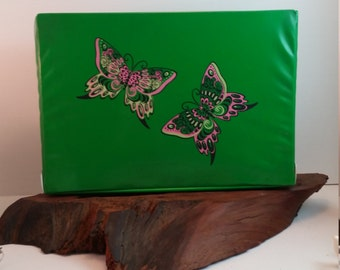 Large Green Butterfly Vinyl Box, Butterfly Designed Bright Green Storage Box, Memories Box In Vinyl Green with Butterflies, Memorabilia Box