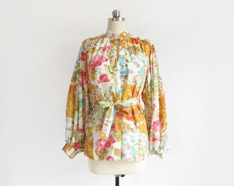 SALE! vintage floral print blouse with poet sleeves / 60s wide sleeve top / romantic belted shirt / womens S - M