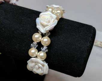White Rose Pearl Glass Bracelet