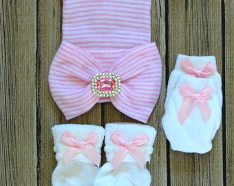 Newborn baby girl pink striped hat cap hospital infant first bow big bowknot rhinestone center socks mittens set