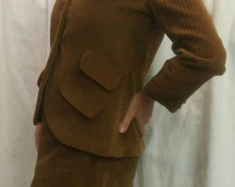 "Vintage 1970s brown corduroy two piece suit labelled ""Irvington  Place Sportswear by LILI size small"
