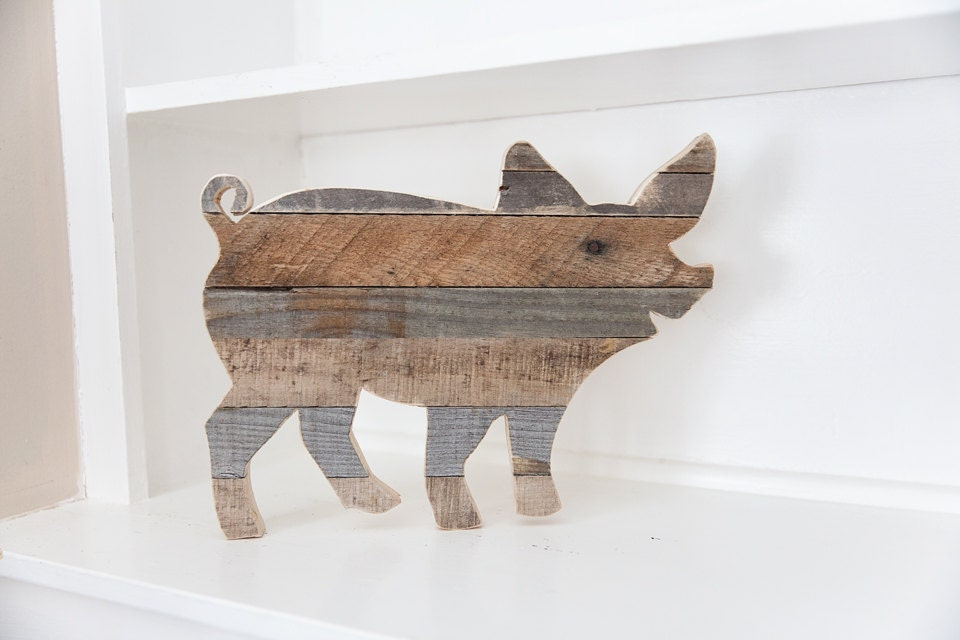 Farmhouse decor rustic home decor pig decor kitchen wall for Pig decorations for home