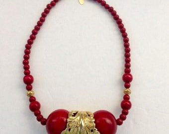 Gorgeous Vintage Cadoro Runway Red Wood Beads Gold Tone Choker Necklace 1960's