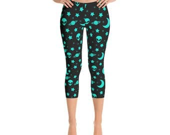 Capri Alien Head Leggings - Outer Space Leggings, Blue and Black Night Sky Yoga Pants, Star Leggings Tights