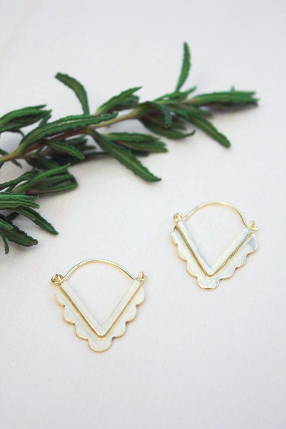 Gold triangle earrings, Geometric earrings, brass triangle earring, minimalist gold jewelry, Dainty earring, girlfriend gift, Gift for her