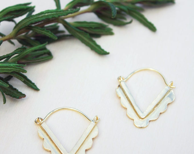 Gold triangle earrings, Geometric earrings, brass triangle earring, minimalist gold jewelry, Dainty earring, girlfriend gift, Gift for her