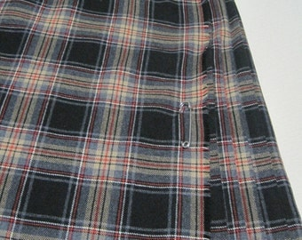 Wool KILT, Made in Great Britain, Black/Tan/Red Plaid, Size 16 USA, Vintage
