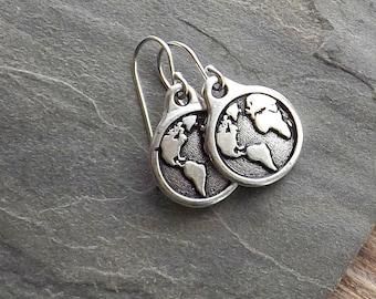 Silver Earth earrings / Silver Globe earrings / Vintage Style Globe earrings / Travel earrings
