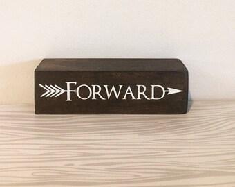 Forward Shelf Sitter