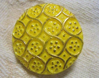 Yellow vintage with gold glass button mod design ~ 1970s ~ 7/8 inch