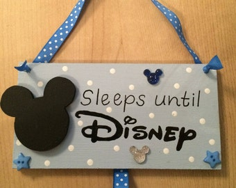 Countdown to Disney holiday vacation plaques