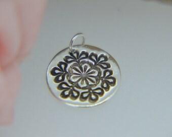 Silver Snowflake Pendant, snowflake necklace, round pendant, Christmas necklace, Christmas Pendant, Silver Snowflake (PMC) (UK)