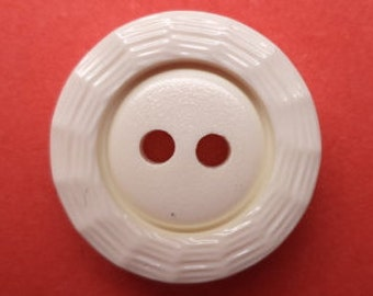 11 buttons white cream-white 15 mm (4539)