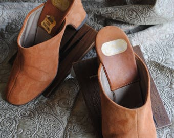 Slippers or clogs Suede (leather) apricot size 37-1970