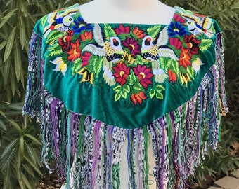 Mexican cape Embroidered short cape Artisan clothing bohemian clothing Made in Chiapas Mexico Bohemian top Boho cape